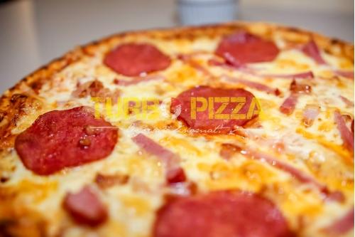Húsimádó pizza