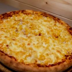 Sonkás-kukoricás pizza