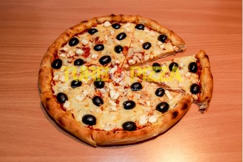 Olivás-fetás pizza